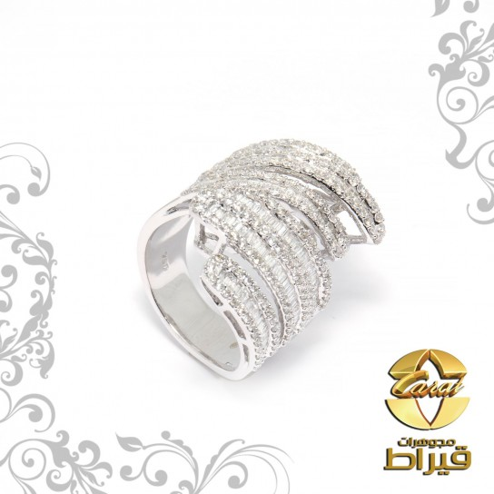Women's 18k White Gold Ring with Diamonds